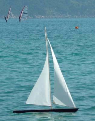 Matt's T37 rc model boat sailing | Tippecanoe Boats