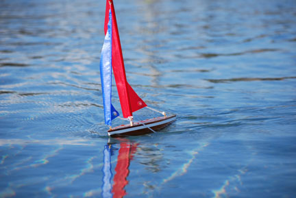 toy model sailboat 1