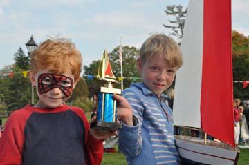 toy model sailboat 8